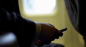 Ya es posible hablar por móvil durante el vuelo por un mínimo de 7 euros la llamada