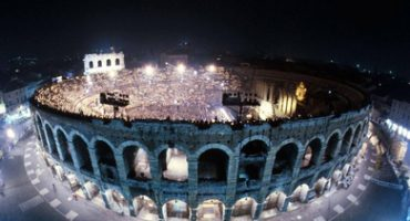 Noches de ópera en el anfiteatro de Verona