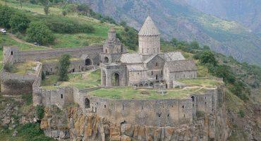 Armenia pone en funcionamiento el teleférico más grande del mundo