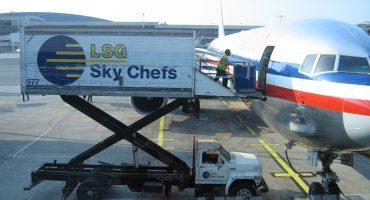 ¿Sabes cuáles son las aerolíneas que ofrecen el mejor menú a bordo?