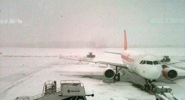 Última hora: aeropuertos europeos siguen cerrados por el temporal de nieve