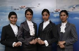 PC Air se convierte en la primera aerolínea low cost en contratar auxiliares de vuelo transexuales
