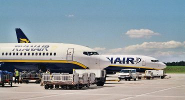 Multas para las aerolíneas que cobren por la tarjeta de embarque en Andalucía