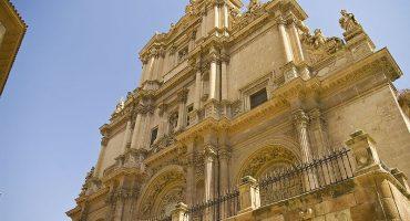 Lorca, abierto por restauración