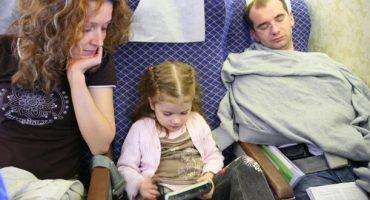 Las 5 reglas de oro para dormir en un avión