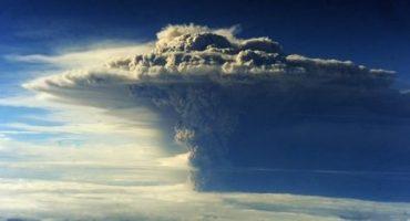 Última hora: Las cenizas del volcán Puyehue obligan a suspender varios vuelos en Argentina y Uruguay