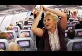 Las azafatas de Finnair, con un aire de Bollywood