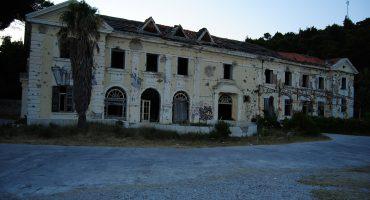 Algunas ruinas modernas con una atmósfera especial, 2ª incursión
