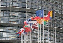 Diputados europeos con los derechos de los viajeros