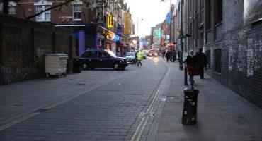 Crean tours por Londres guiados por mendigos y homeless