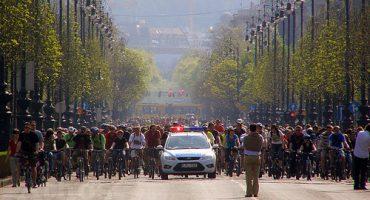 Descubre el fenómeno de la Critical Mass en Budapest