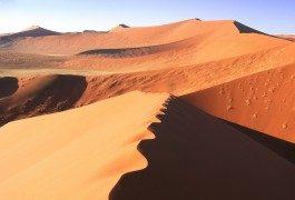 El susurro del desierto de Sossusvlei, Namibia