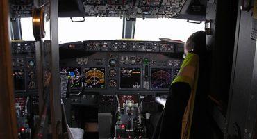 Ryan: piloto de aerolínea comercial, 19 años… ¿seguro?