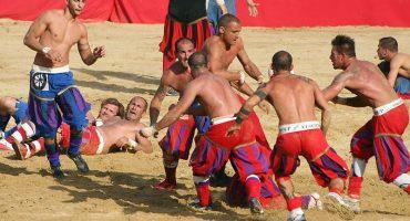Calcio Florentino: el antepasado salvaje del fútbol sigue vivo