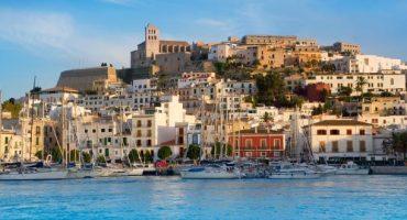 Air Nostrum opera nuevas rutas desde Badajoz a Mallorca e Ibiza