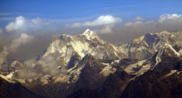 Nepal regula la ascensión al Everest