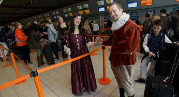easyJet entretiene a sus pasajeros con Shakespeare
