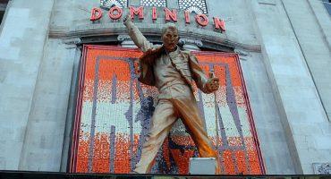 ¿Qué hacer con la estatua de Freddie Mercury de Londres?