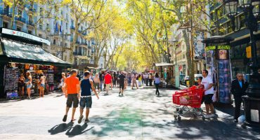 Barcelona abre en domingo para los turistas