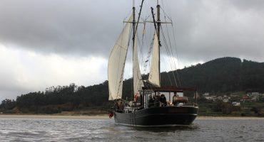 Viajes en velero histórico a las Islas Cíes