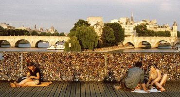 El Puente de las Artes de París pierde sus candados