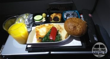 Lo que (de verdad) comes a bordo de un avión