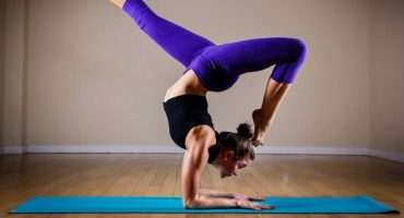 La última moda es el «Floga»: ¡yoga antes un vuelo!