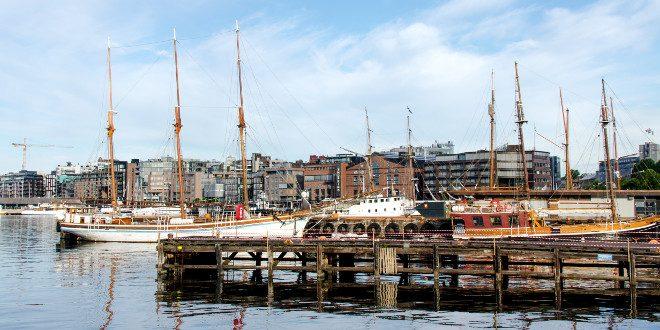 barcos en Aker Brygge, Oslo