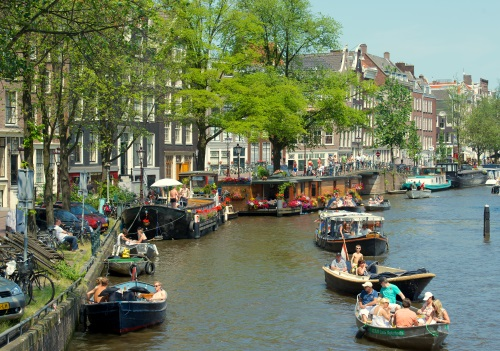 Canal-in-Jordaan-Amsterdam