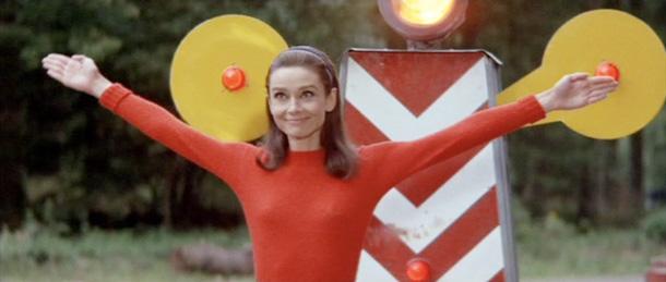"Audrey Hepburn en un fotograma de ""Dos en la carretera"""