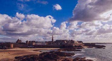 Entre el Atlántico y castillos medievales: un roadtrip por la Bretaña francesa