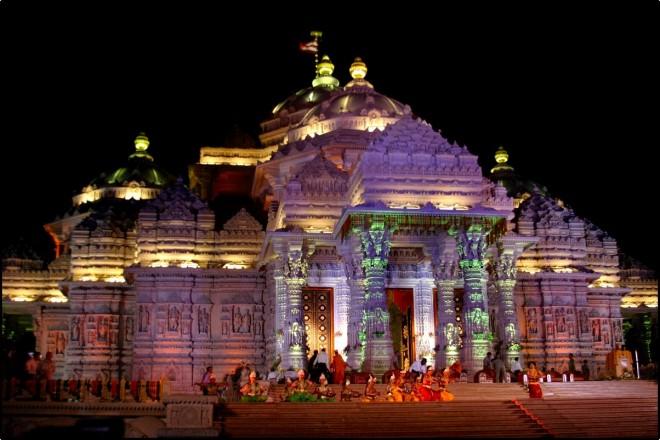 Templo de Akshardham de noche