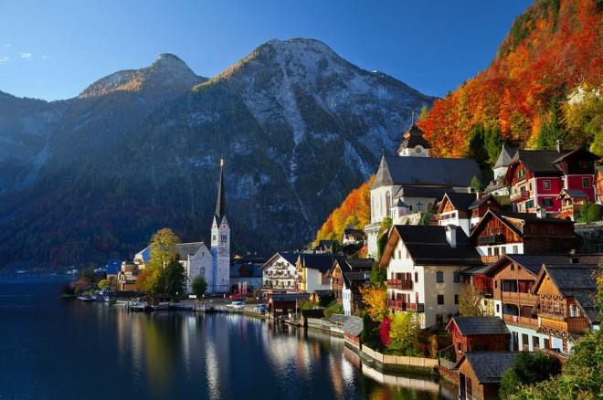 Vistas de Hellstatt en otoño