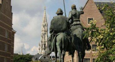 Las 8 plazas de España más bonitas del mundo
