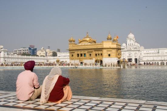pareja-india-templo-oro