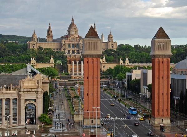 palacio-nacional-torres-venecianas-montjuïc