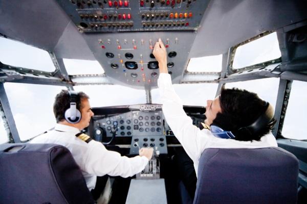 pilotos-en-la-cabina