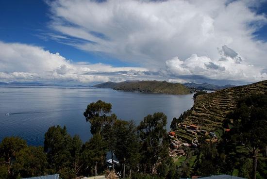 Isla-del-sol-lago-titicaca
