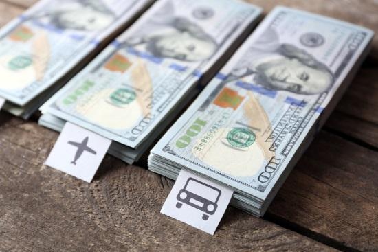 montones-dolares-viajar
