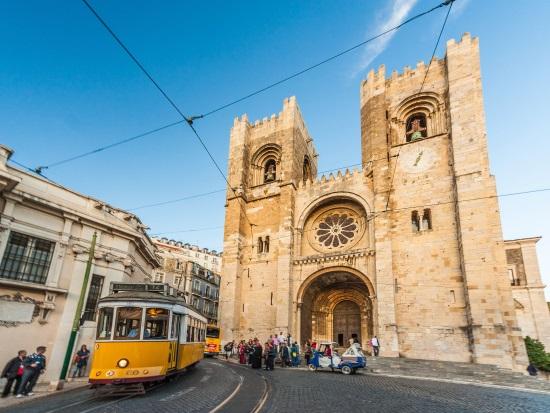 Catedral-Tranvía-Lisboa
