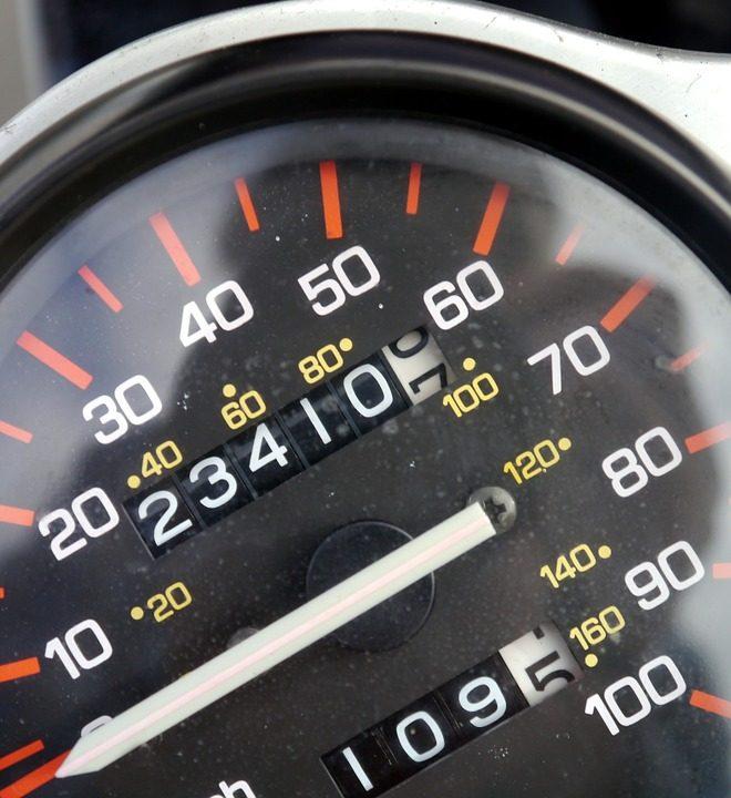 Consulta antes de alquilar un coche las limitaciones de kilometraje