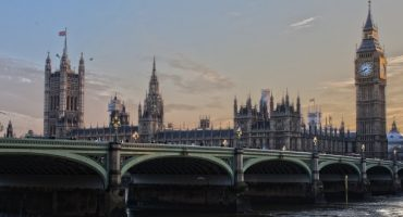 Ya puedes lanzarte a sobrevolar Londres en tirolina