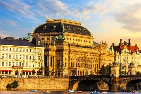 La Ópera de Praga