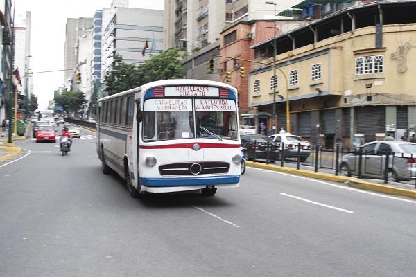 autobus-calle-caracas