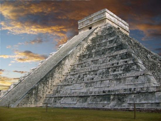 Pirámide de Kuculcán, en Chichén Itza (México)