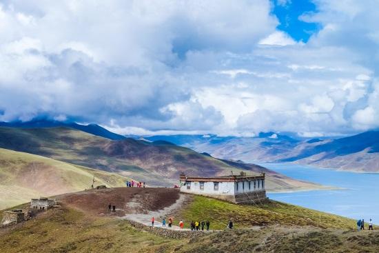 holy-lake-tibet