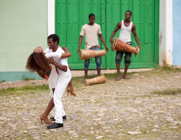 bailando-salsa-republica-dominicana