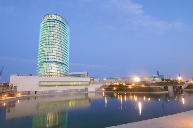 La Torre del Agua, en el recinto Expo 2008 de Zaragoza