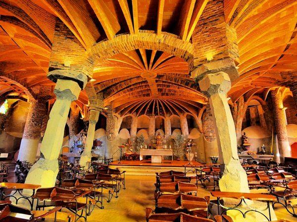 Cripta de Gaudí, en la Colonia Güell