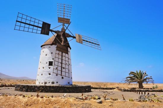 Los molinos de viento de La Oliva (Fuerteventura)